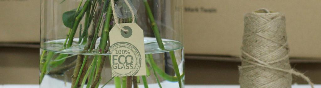 Jarrones de vidrio reciclado