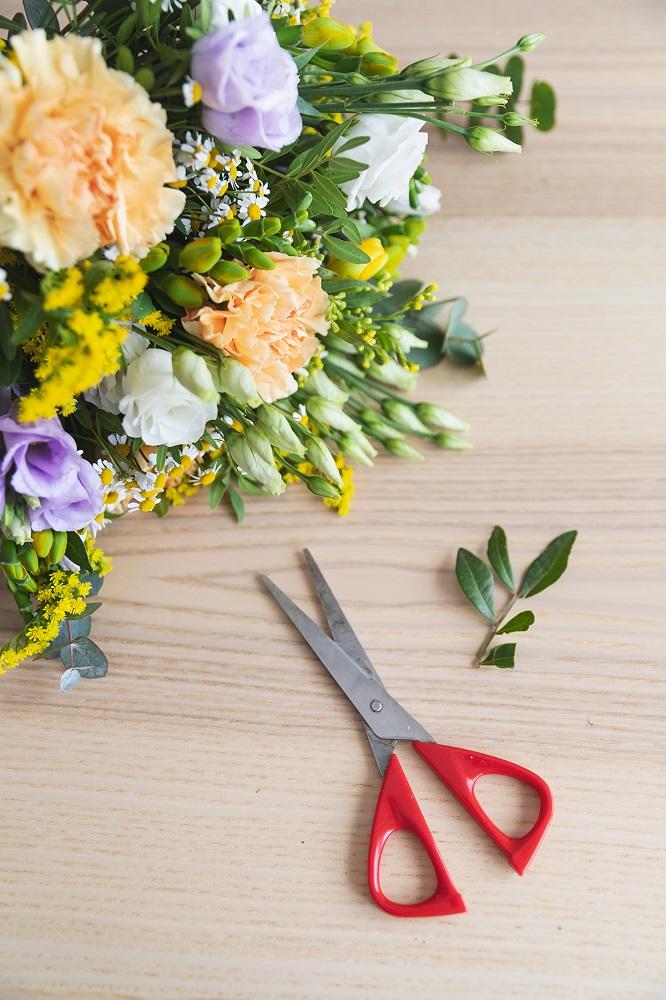 cuidar flores frescas tallos