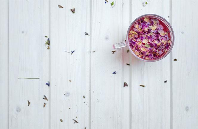 pétalos de rosa té