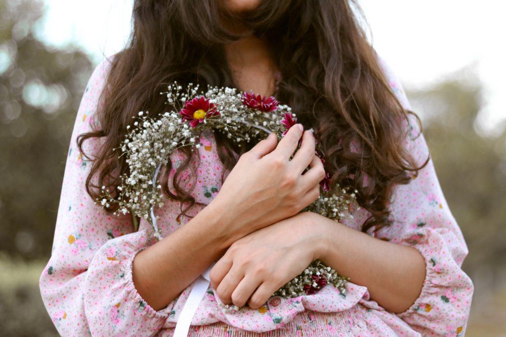 Cómo hacer una diadema de flores