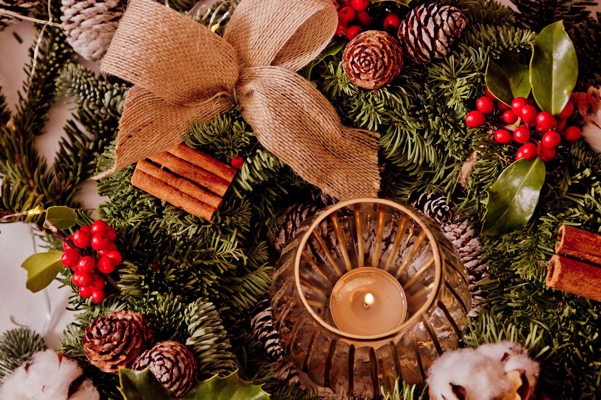 como crear un centro de mesa para navidad