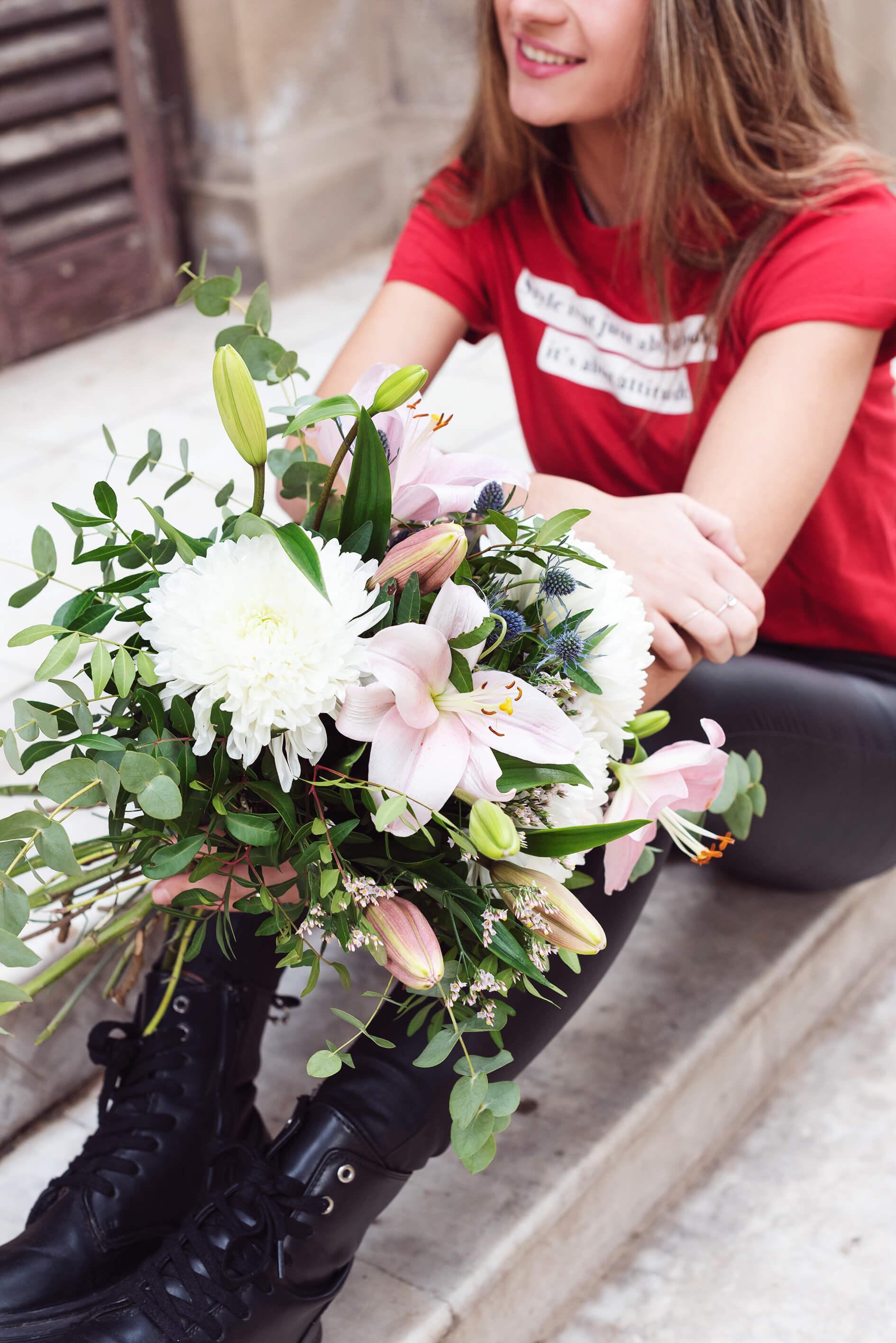 Intimate, ramo de lirios y crisantemos para san valentin