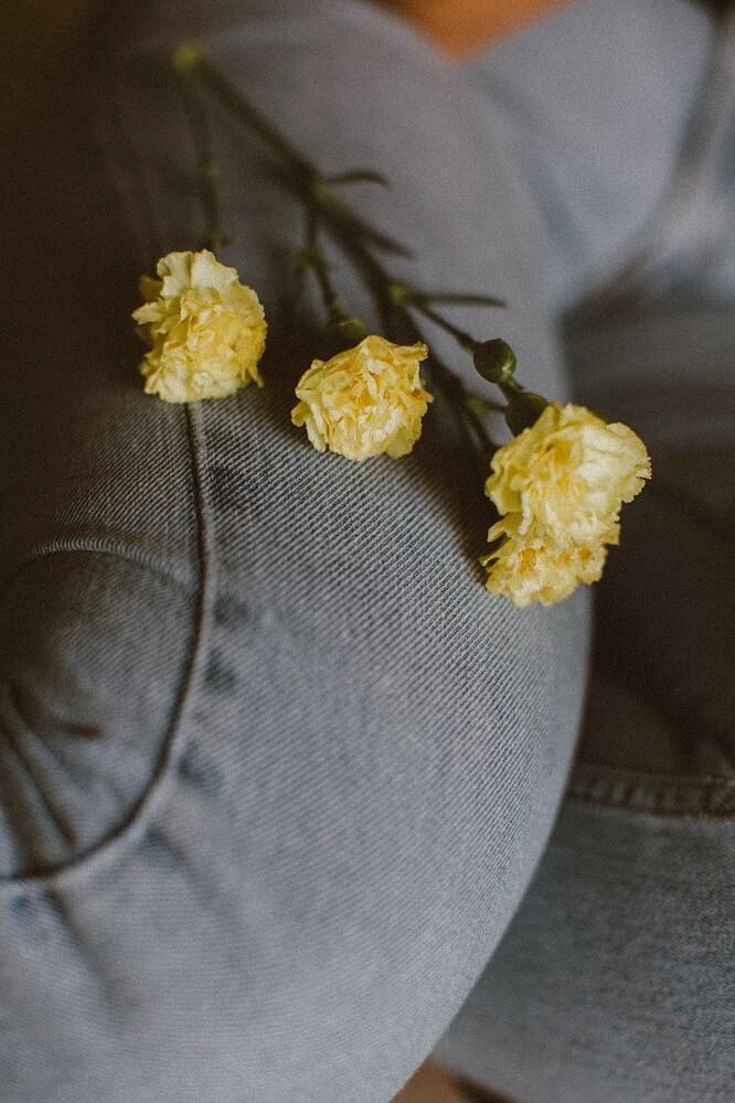 clavel amarillo