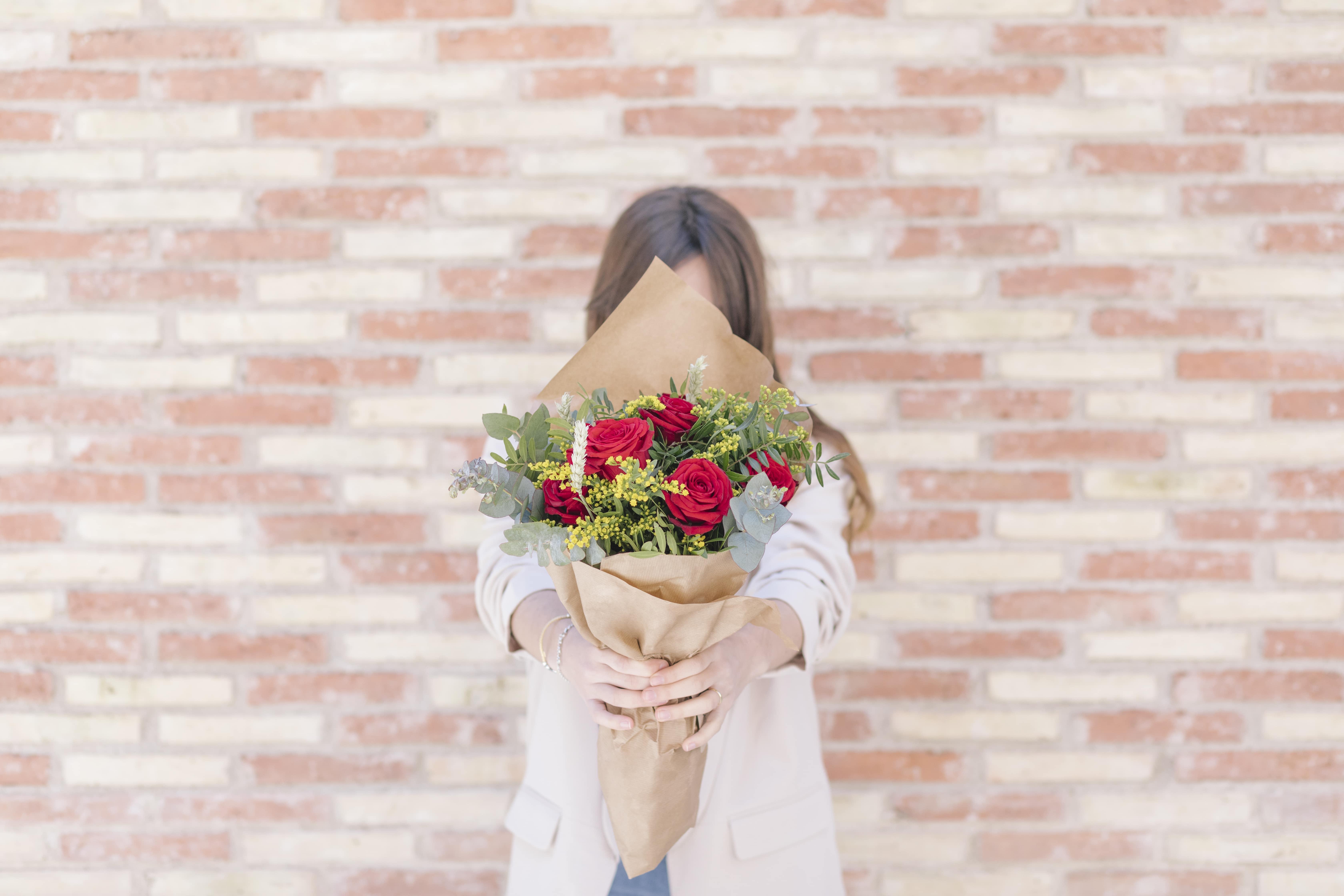https://www.thecolvinco.com/es/ramos-de-flores/dolera