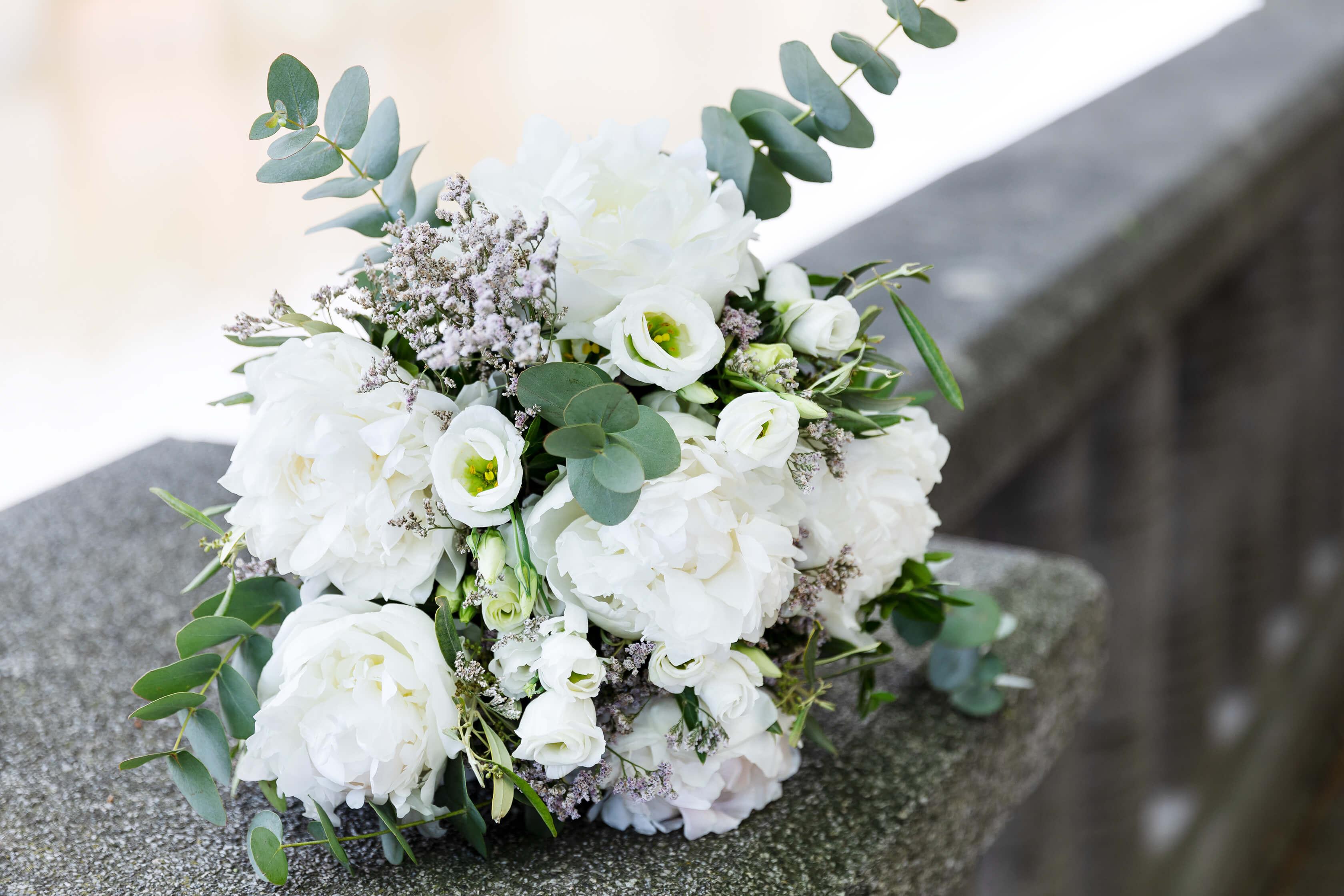 mont blanc ramo de peonias blancas de colvin