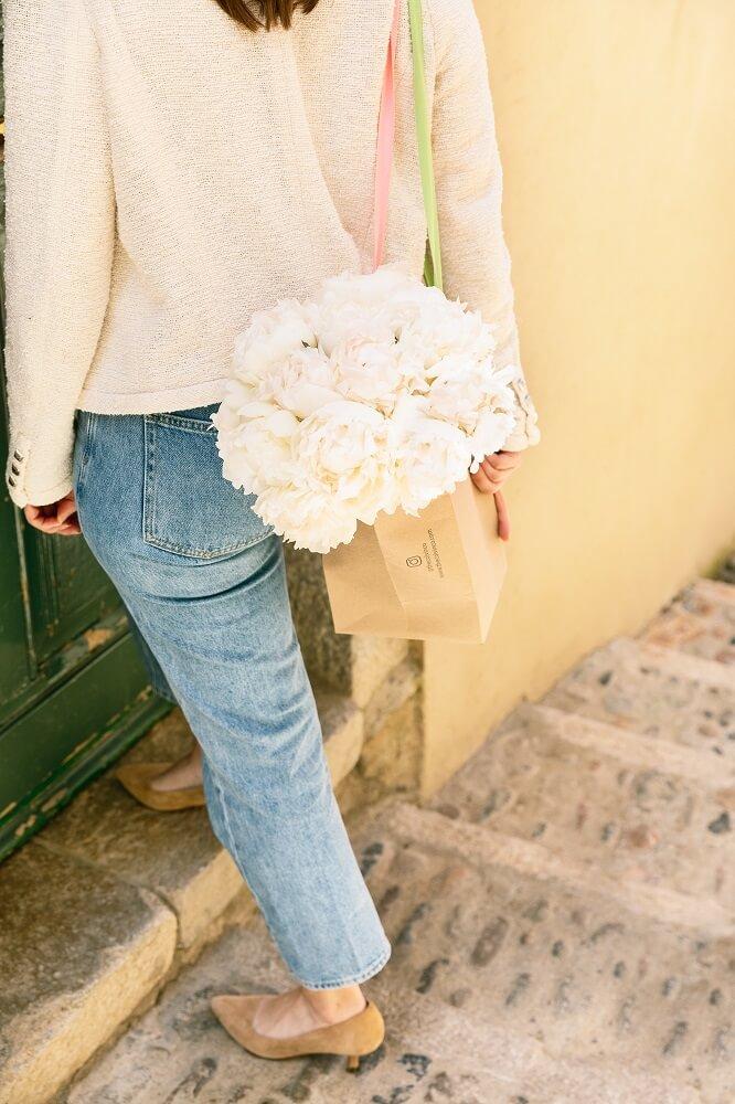 peonías blancas bolsa