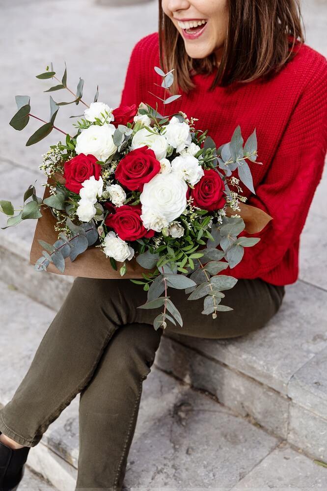 día de los enamorados y rosas rojas