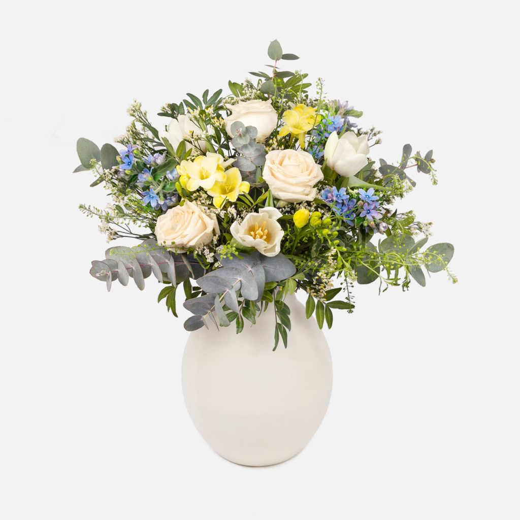 ramo-flores-rosas-freesias