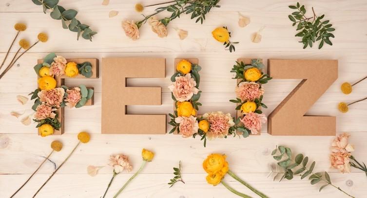 Cómo hacer tus propias letras florales en casa