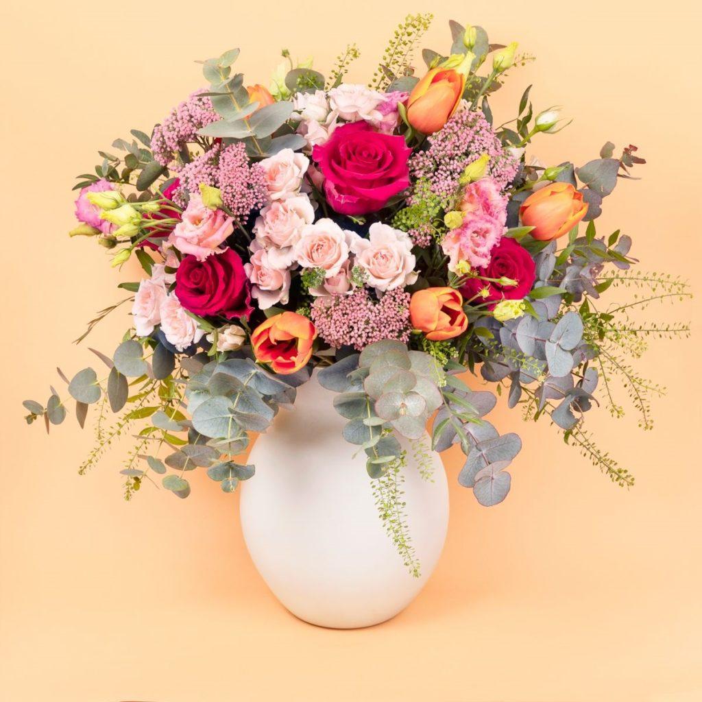 ramo-flores-frescas-rosas-flor-arroz
