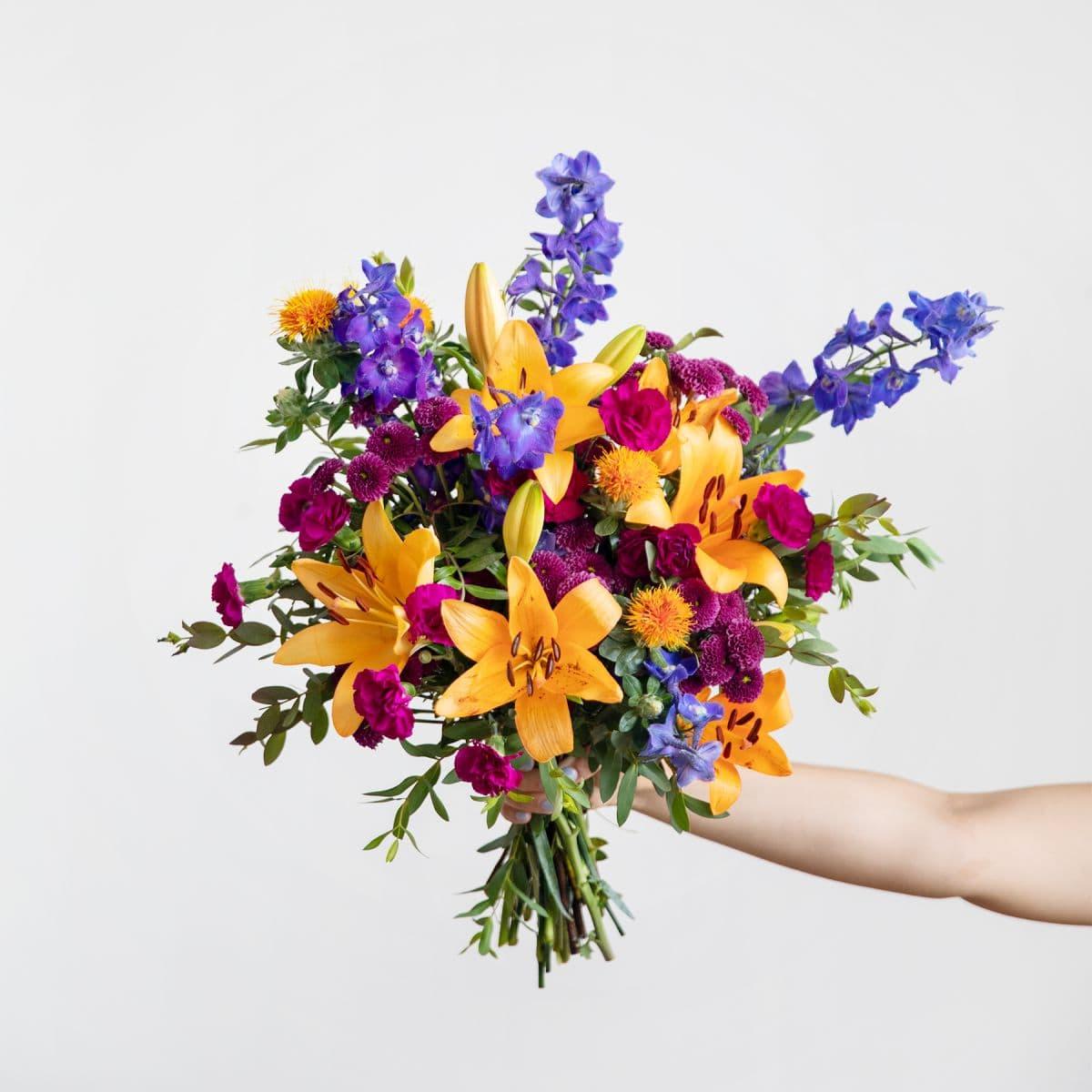 ramo de flores con crisantemos