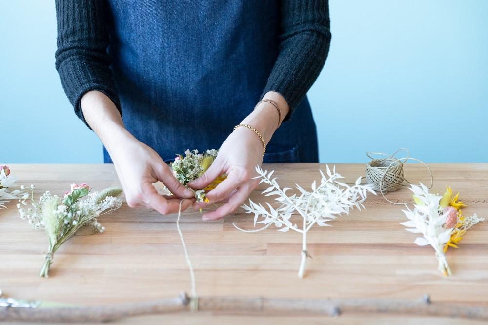 tutorial con flor seca atar ramos