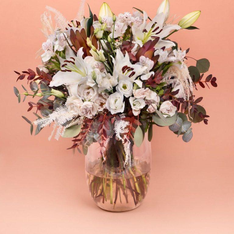 ramo de flores blancas oriental