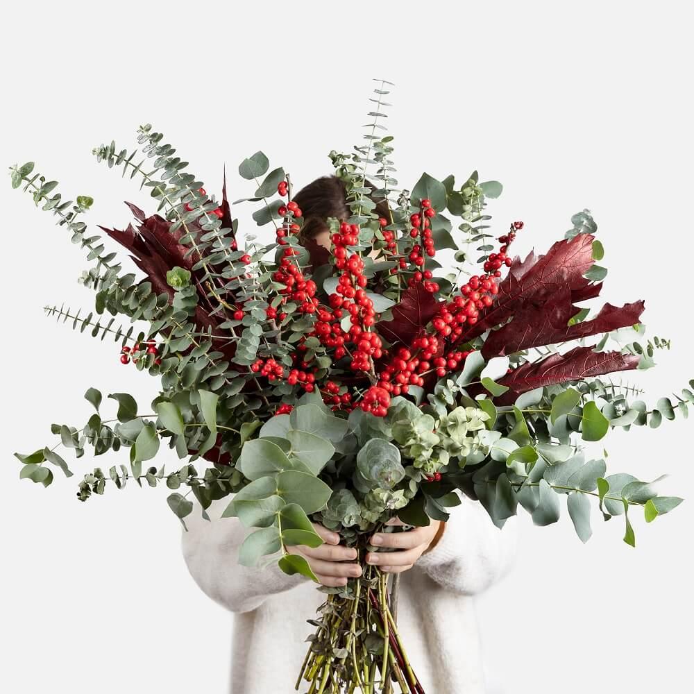 decorazione natalizia con fiori