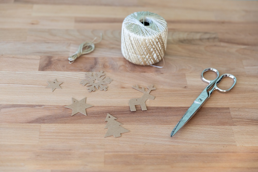 decorare l'albero di Natale passo 1