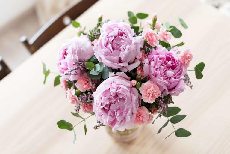 Composizione floreale in vaso