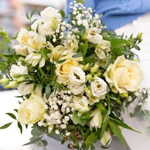 Composizione di fiori per i nonni