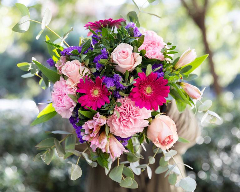 Ramo de flores multicolor para aniversário